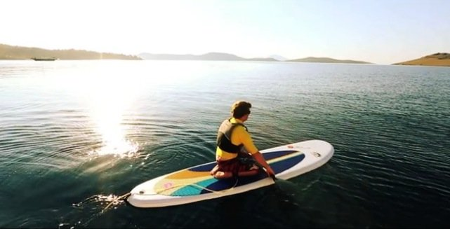 kneeling-inflatable-stand-up-paddle-board-tutorial